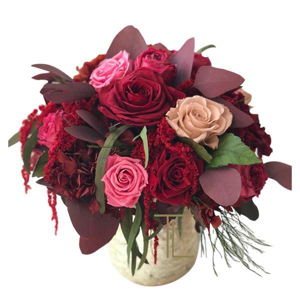 TLK-12 Композиция из бордовых роз с аморантом и красным эвкалиптом