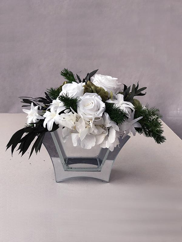 TLM-11 композиция из белых роз и тубероз