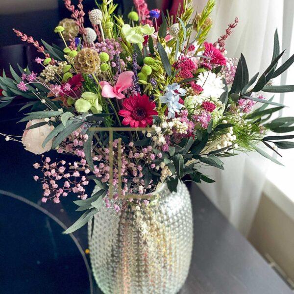 Стабилизированные цветы в банке