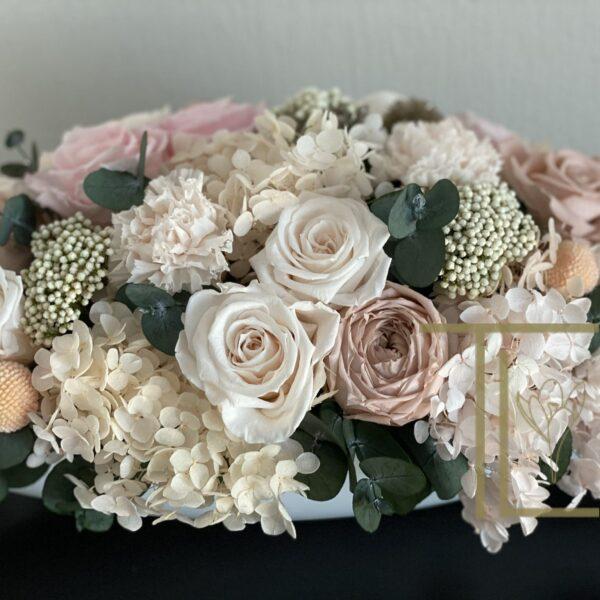 Стабилизированные цветы в вазоне